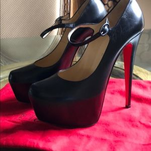 CHRISTIAN LOUBOUTIN  40 BLACK LEATHER MARY JANES